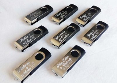 USB cortesia personalizado.